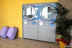 Asciugatori a pompa di calore nella lavanderia al Porto di Ostia