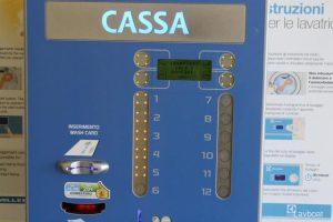 Lavanderia self-service cassa automatica e card