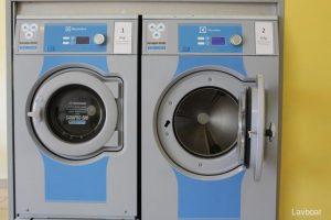 Lavanderia al Porto di Ostia lavatrici 8 e 10 kg